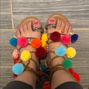 Pom Pom sandal sz 35 (fits 5.5-6) like new
